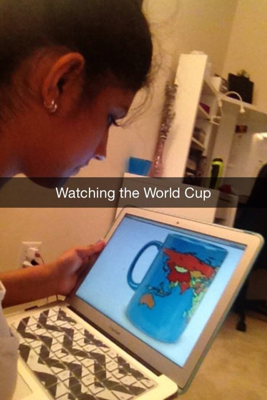 funny-computer-notebook-World-Cup-watching