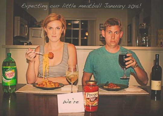 funny-couple-announcement-Prego-baby