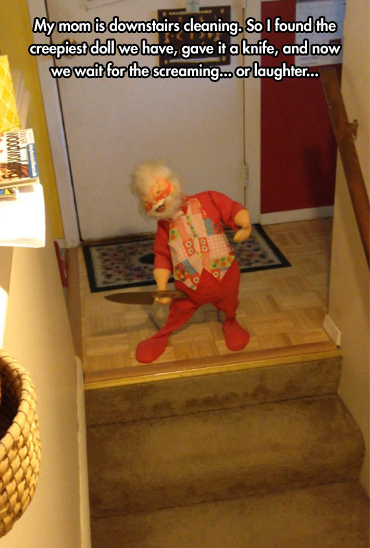 funny-creepy-doll-knife-stairs