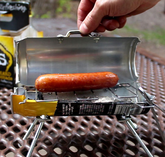 funny-cute-little-can-grill-sausage