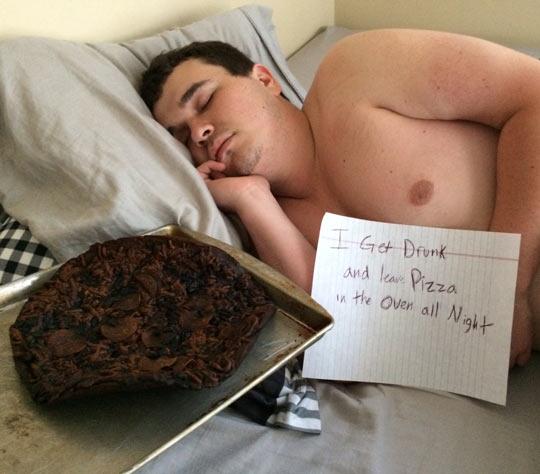 funny-fat-guy-sleeping-note-burn-pizza
