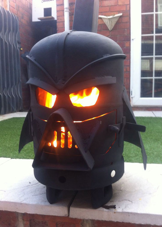 funny-fireplace-Darth-Vader-yard