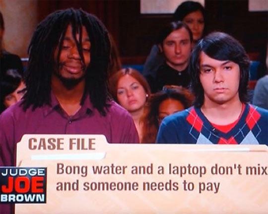 funny-friend-bong-water-laptop
