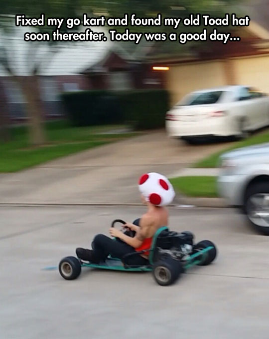funny-man-driving-kart-Toad-hat