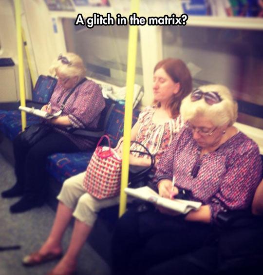 funny-subway-woman-same-clothes-hair-reading