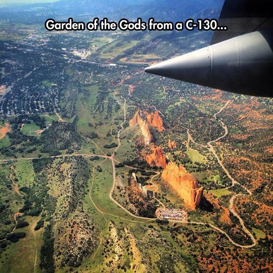 cool-Garden-Gods-airplane-view