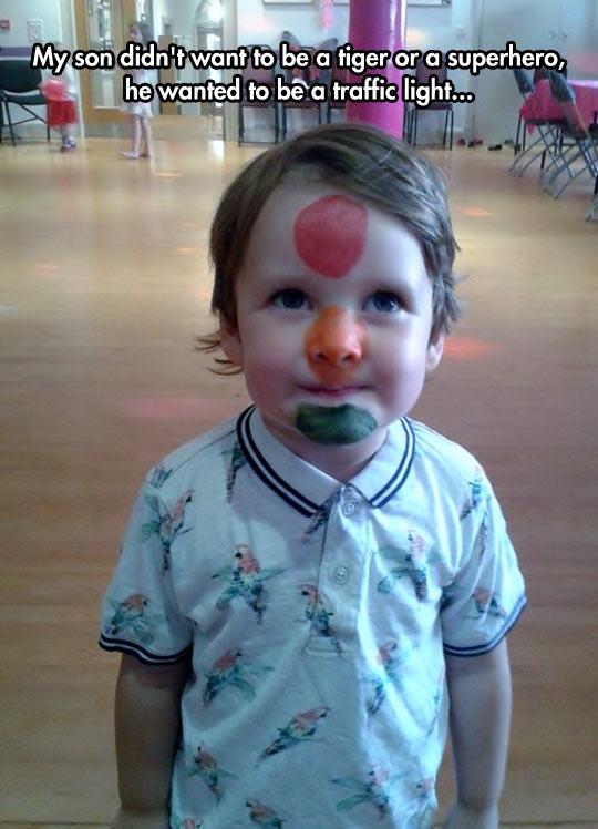 cute-kid-makeup-traffic-light