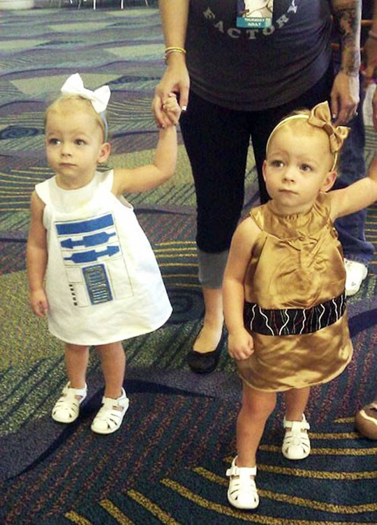 R2D2 And C3PO Adorable Cosplay