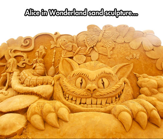 Incredible Sand Sculpture Of Alice In Wonderland