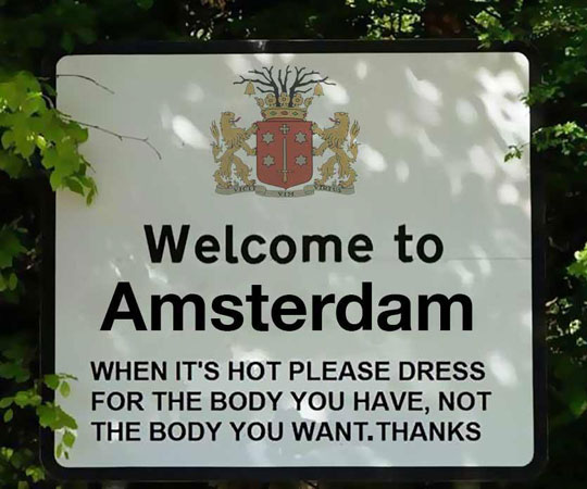 funny-Amsterdam-sign-body-clothes