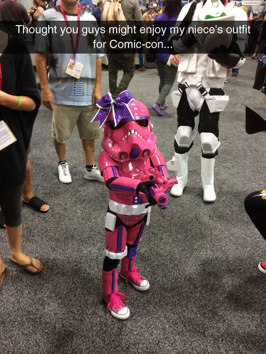 funny-Comic-con-little-girly-Stormtropper