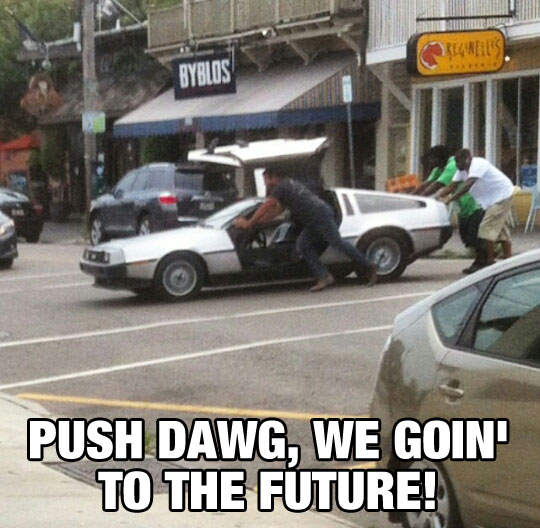 funny-DeLorean-stranded-street-pushing
