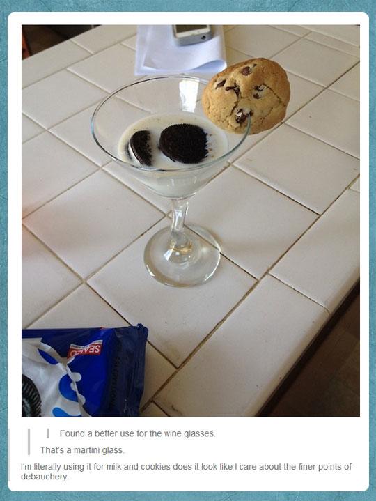 funny-Oreo-milk-cookies-wine-glass