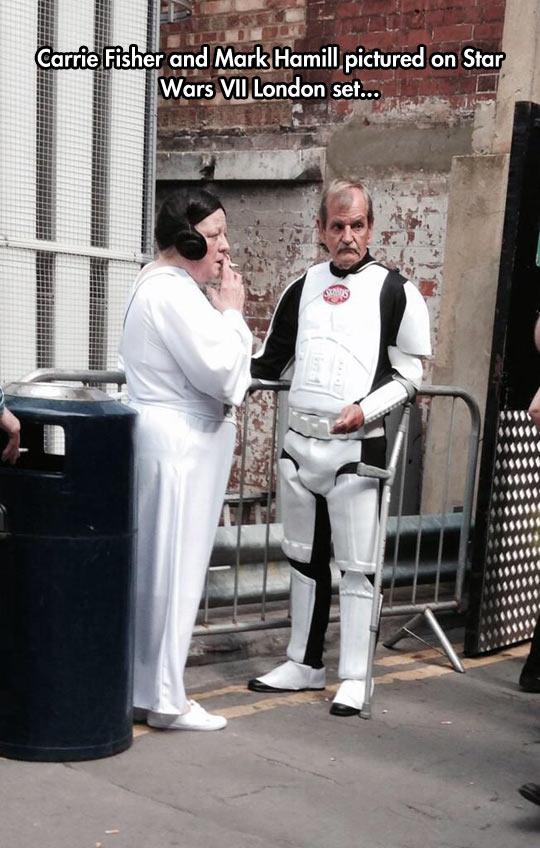 funny-Princess-Leia-Stormtrooper-costume-smoking