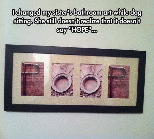 funny-art-frame-letter-bathroom