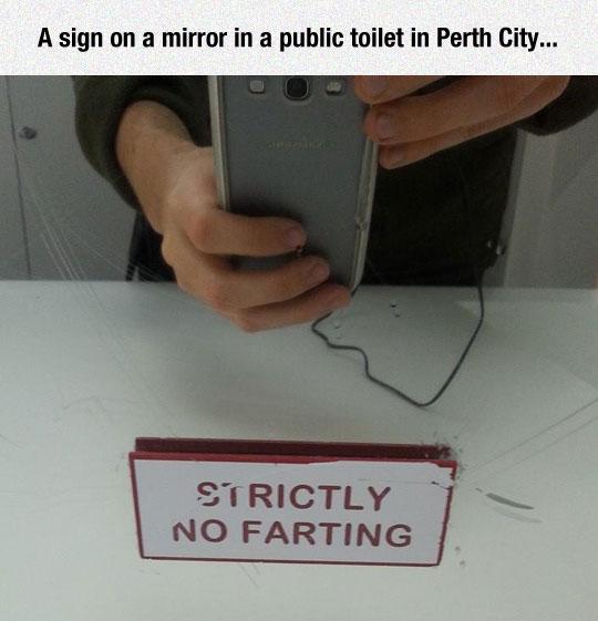funny-bathroom-sign-phone-mirror