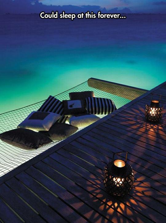 funny-bed-net-ocean-pillow
