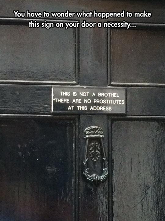 funny-door-sign-Hotel