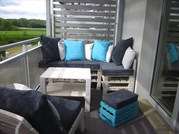 Wooden pallet balcony furniture set ideas pallets designs.