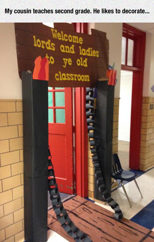 cool-decorated-classroom-gate-bridge