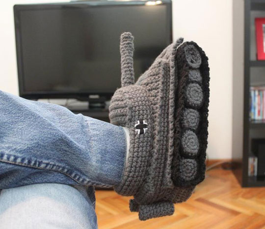 cool-tank-slippers-knitted-house