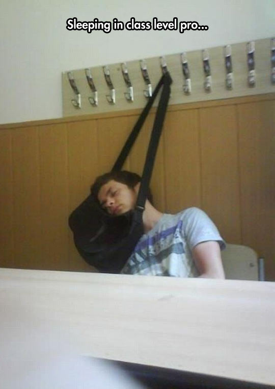 funny-class-sleeping-bang-hanging
