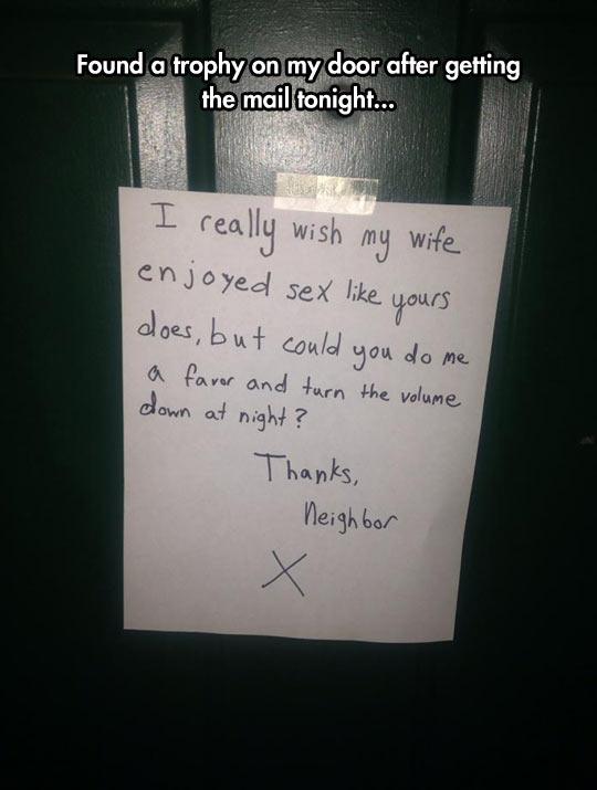 funny-door-sign-neighbor-night