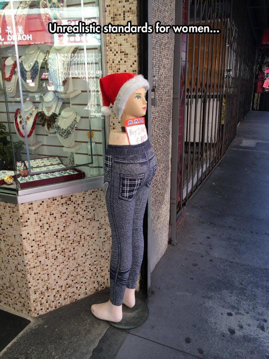 funny-mannequin-legs-head-jean