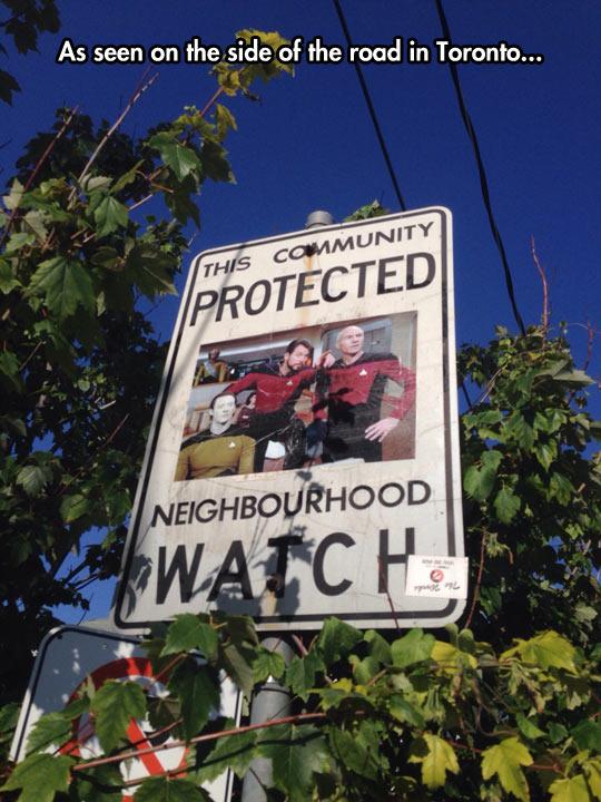 funny-sign-neighbourhood-watch-Star-Trek