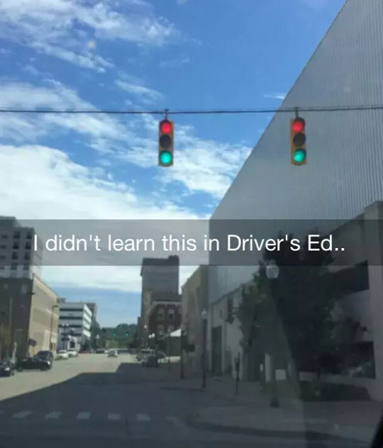 funny-traffic-light-green-red
