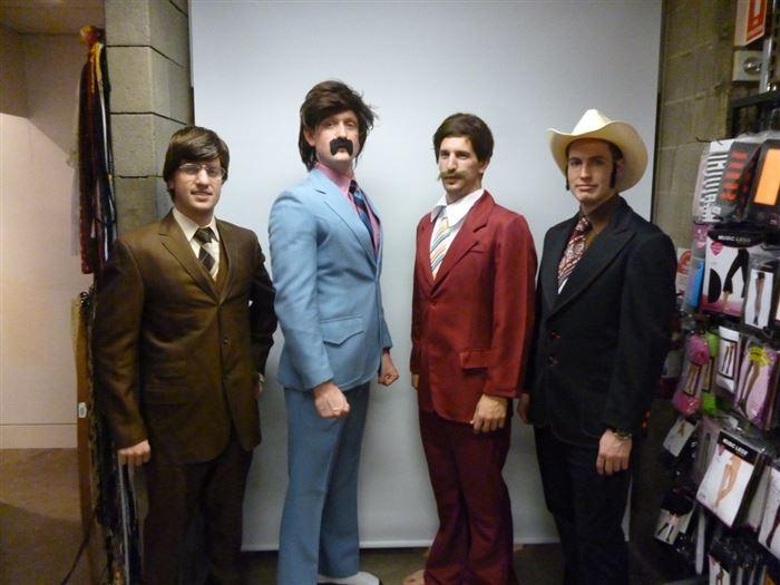sc 1 st  ThumbPress & Awesome Group Halloween Costume Ideasu2026 (20 Pics)