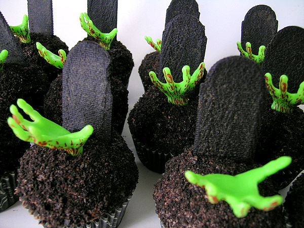Deliciously Spooky Halloween Cupcakes…(15 Pics)
