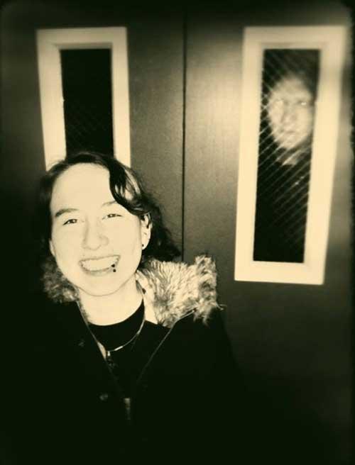 creepy-photobombs-elevator