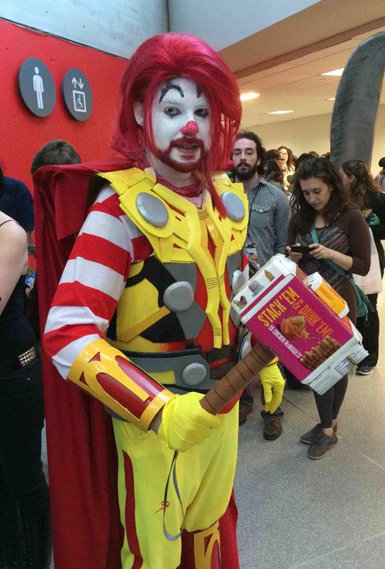 funny-Ronald-McDonalds-Thor-cosplay