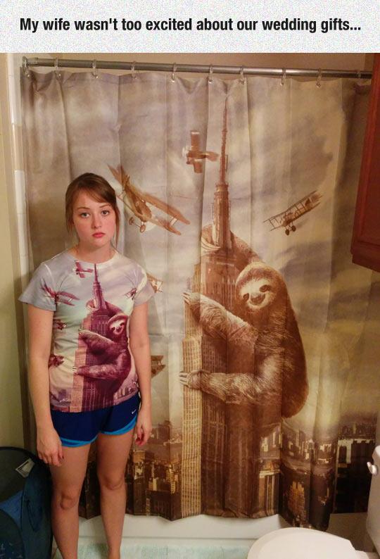 funny-girl-sloth-bathroom-King-Kong