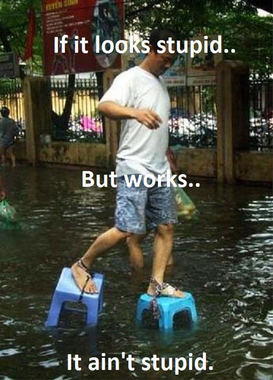 funny-man-walking-flood-chairs-tied