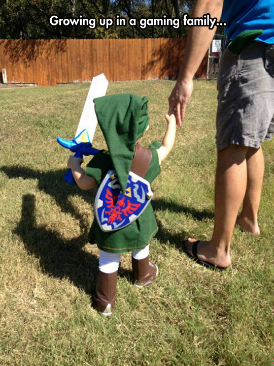 cute-baby-Link-costume-little-yard