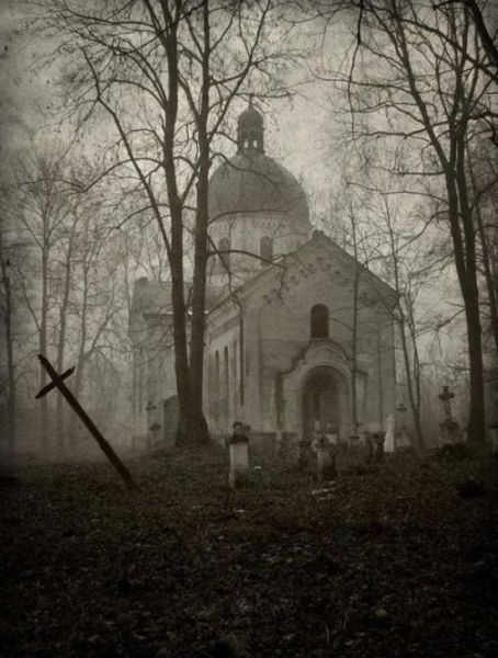 eerie_photos_that_will_give_you_the_creeps_640_29
