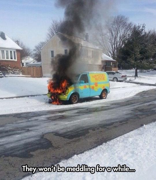funny-Mystery-Machine-fire-van