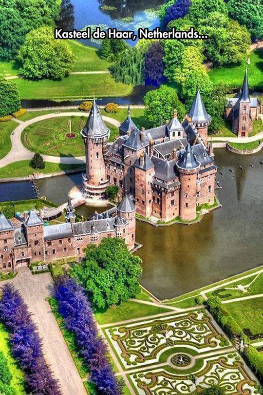 funny-castle-Haar-lake-park