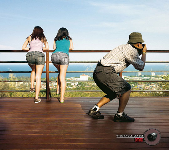funny-photography-ad-wide-angle-girls
