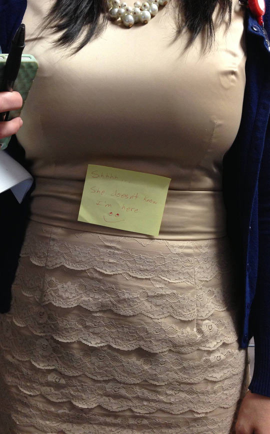 funny-sticky-note-breast-woman