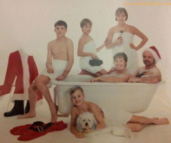 Family-in-Bathtub