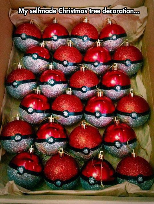 cool-Christmas-balls-Pokemon-decoration