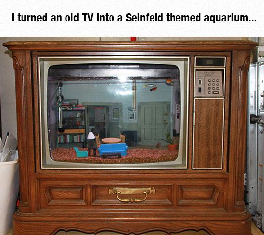 cool-old-TV-set-Seinfeld-aquarium