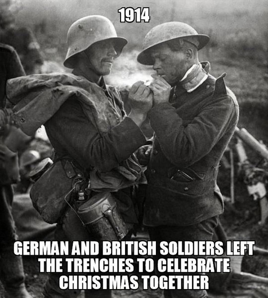 cool-soldiers-sharing-cigarette-World-War