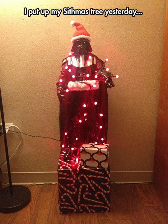 funny-Darth-Vader-Christmas-lights-tree