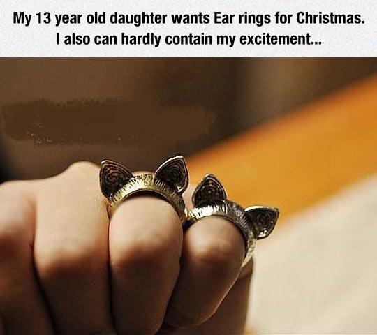 funny-ear-rings-prank-Christmas