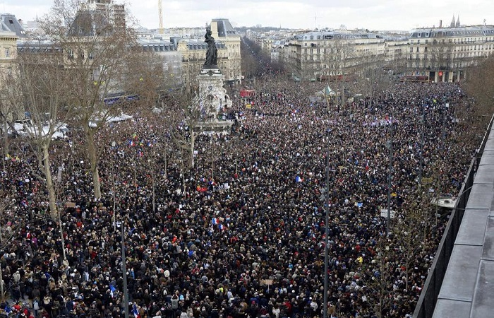 The streets of Paris, right now