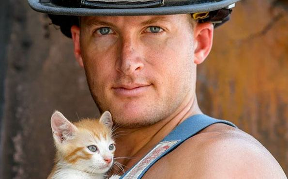 charleston-firefighters-with-puppies-calendar-12-1